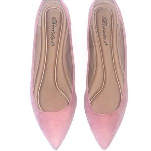 3/$15 Breckelle's Pointed Toe Flats Pink Suede